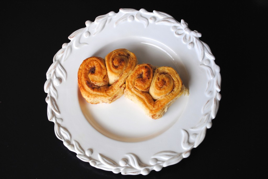 heart shaped cinnamon rolls-no glaze