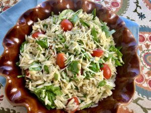 Lemon Orzo Salad with Spinach, Tomatoes and Pine Nuts (like Fresh Market)
